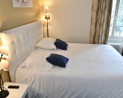 Chambres familiales, hotel - AURILLAC